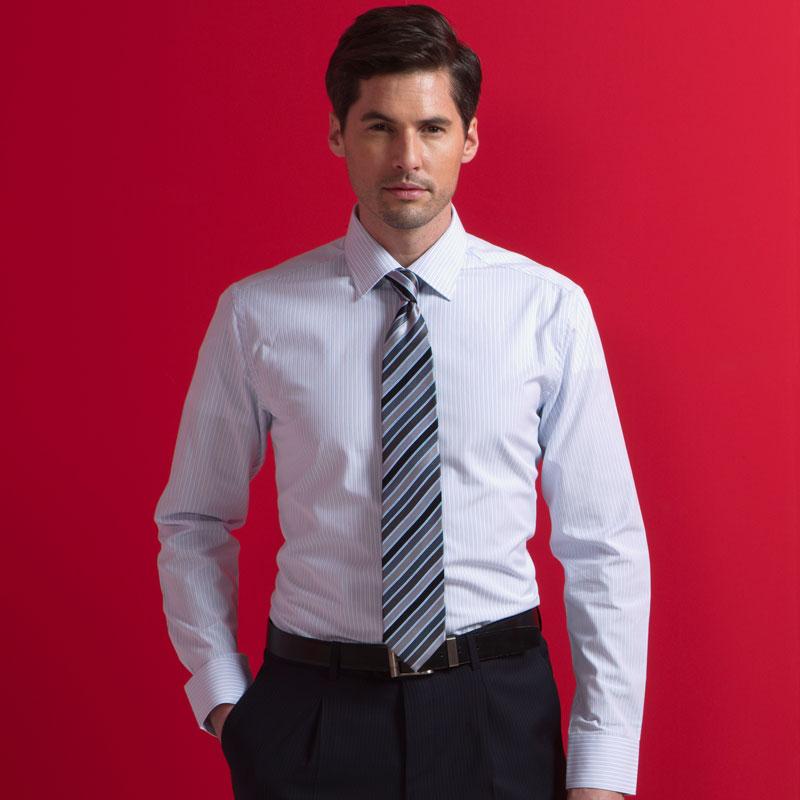 岁的男的穿白色衬衫搭配什么颜色的领带好看时尚呢