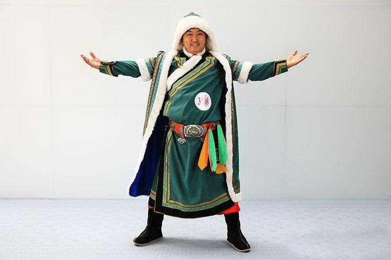 蒙古族服饰穿戴特点是什么?